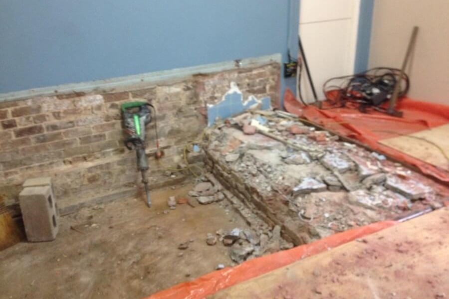Removing old Stage at West Ryde Family Church-The Right Builder900c